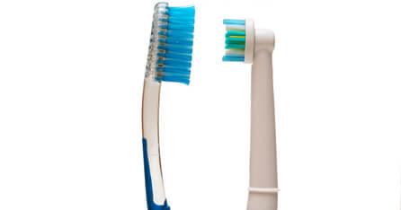 Regular toothbrush vs Electric toothbrush graphic